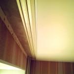 Крепление потолочного карниза за натяжным потолком. Благовещенск