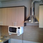 Крепление кухонного гарнитура, вытяжки, микроволновой печи. Благовещенск