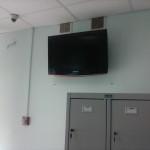 Крепление телевизора в магазине