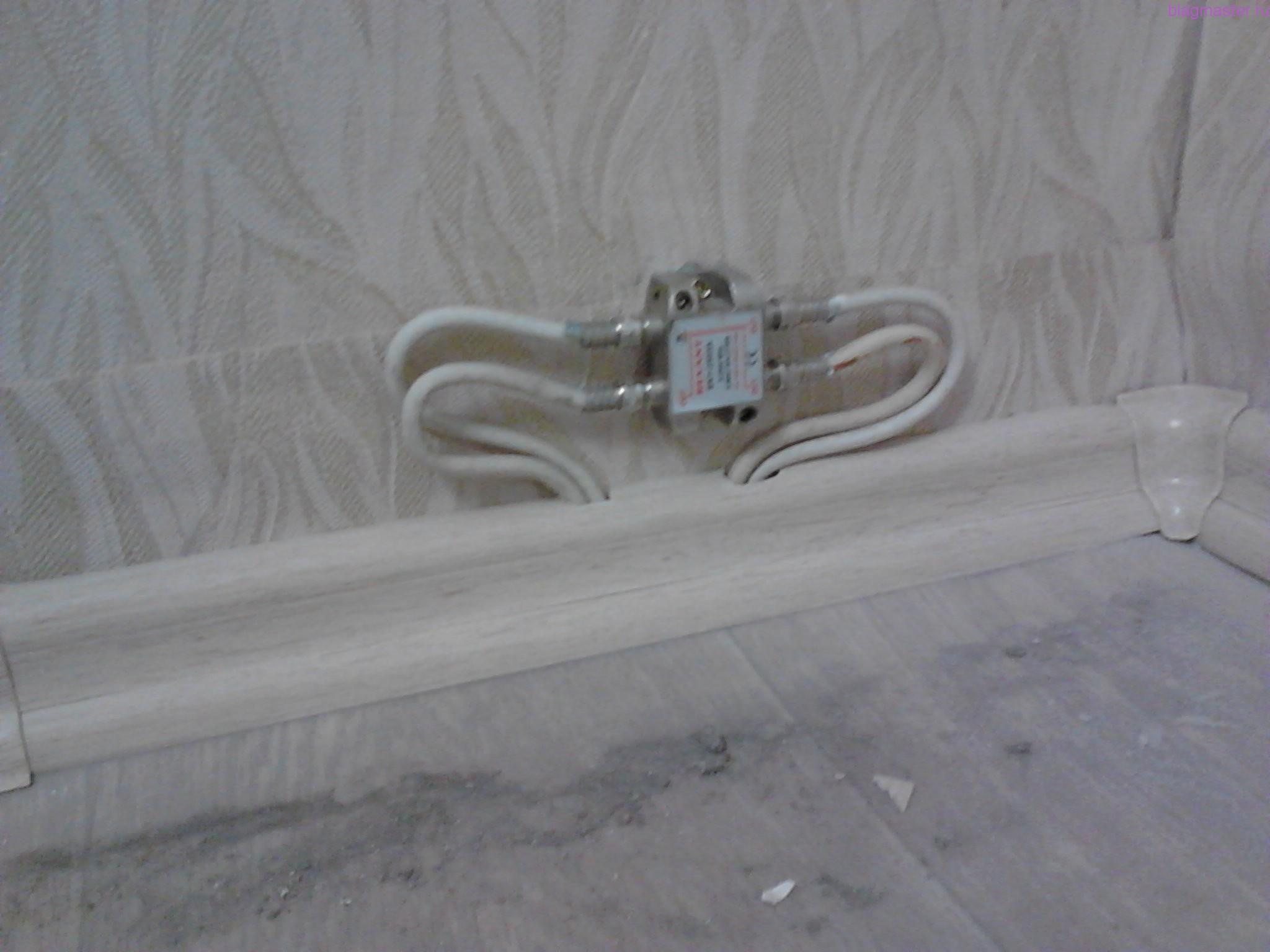 Прокладывание проводов кабельного телевидения в плинтусе