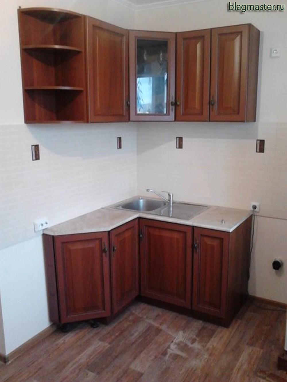 Крепление кухонных шкафов, установка мойки. Благовещенск
